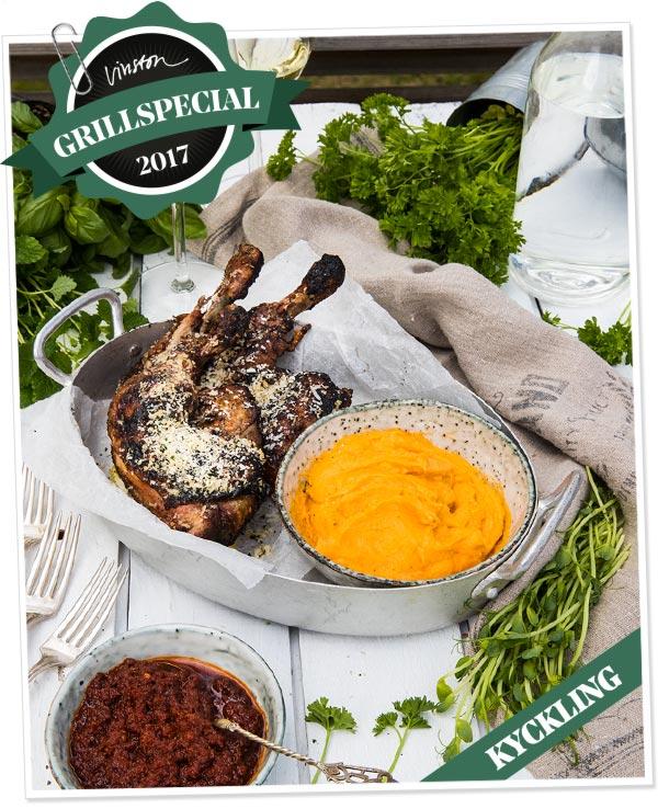 Kycklingklubbor med kryddigt parmesanströssel och grillad sötpotatispuré