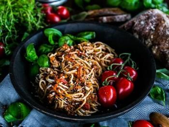 Spagetti med mustig köttfärssås