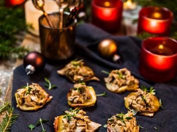 Glöggsnittar på knäckebröd med pulled julepork